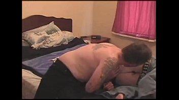 Русские парни смогли честно разделить с большими сиськами телочку в мжм ебле