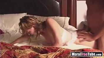 Молодой юноша брутально и нежно отымел шикарную блондинку-шлюху