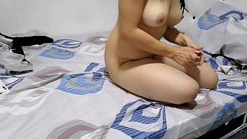 Подруги занимаются порно в спальне