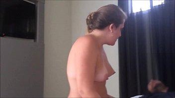 Медсестричка из бдсм больницы помогает пациенту одержать женский струйный сквирт оргазм